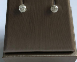 Stylish Natural Diamond 0.68 Cts Silver Earring
