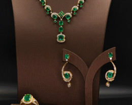 18 K Yellow Gold Gorgeous Natural Afghanistan Vivid Green Lusters Emerald &