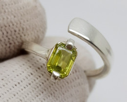 Natural Color Change Sphene 16.50 Carats Hand Made Silver Ring