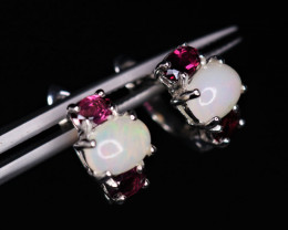 Beautiful Natural Opal, Garnet & 925 Sterling Silver Earring