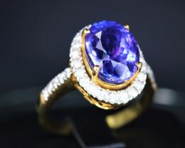 18 k Yellow Gold Natural Tanzanite & Diamond Stylish Design Ring