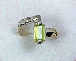 Natural 16.00 Carats Green Sphene Hand Made 925 Silver Ring