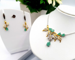 Beautiful Natural Emerald Set