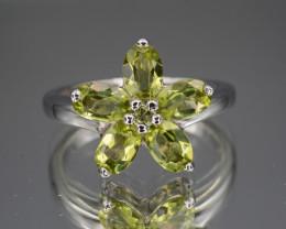 Natural Green Peridot 21.58 Cts  Silver Ring Beautiful Design
