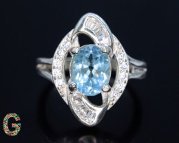 Unique Design 18.25 Ct Silver Ring ~ With Blue Topaz Swiss