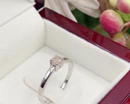 Stylish Natural White Diamond 0.36 Cts Ring ~ Silver