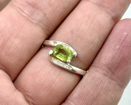 Natural 12.00 Carats green rare sphene/titanite 925 Silver Ring