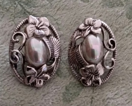 VINTAGE PEARLS & SILVER FORAL DESIGN - EARRINGS / POST - 1970'S CIRCA