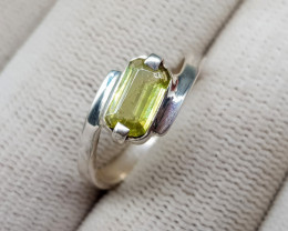 Natural Color Change Sphene 11.80 Carats Hand Made Ring