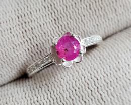 Natural Rare Sapphire 10.15 Carats 925 Silver Ring