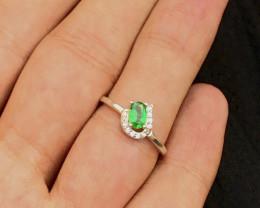 Unique Design 8 Ct Silver Ring ~ With Tanzanian Tsavorite Garnet  ~