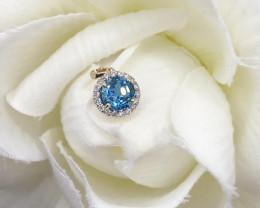 Natural Excellent White Diamond London Blue Topaz 9K Yellow gold Pendants