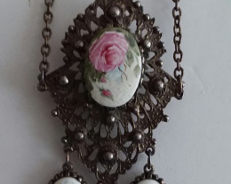 ANTIQUE VICTORIAN HAND PAINTED ROSE GUILLOCHE PORCELAIN CAMEOS BROOCH - RAR