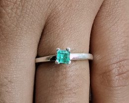 Colombian Chivor Emerald sterling silver ring 8 cts