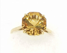 AAA Citrine Solitaire Ring 3.75cts. - Gold.