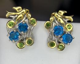 Natural apatite and Tsavorite Earring.