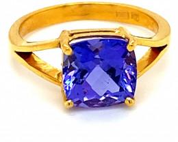 High Grade Tanzanite 3.34ct Solid 22K Yellow Gold Ring