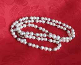VINTAGE NATURAL WHITE PEARL NECKLACE 24 INCH TOGGLE CLOSURE