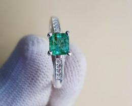 Natural Emerald 8.60 Carats 925 Silver Ring