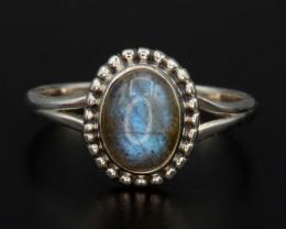 Beautiful Natural Labradorite 15.15 Cts Silver Ring Antique Design