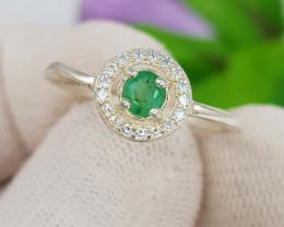 Natural Green Emerald 8.50 Carats 925 Silver Ring