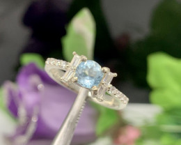 Natural 17.00 Carats Round Blue Topaz 925 Silver Ring