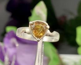 Natural 14.00 Carats rare color change bastnasite 925 Silver Ring