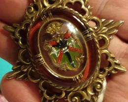 ANTIQUE VICTORIAN HERALDIC CROWN COAT OF ARMS ESSEX CRYSTAL  BROOCH PIN