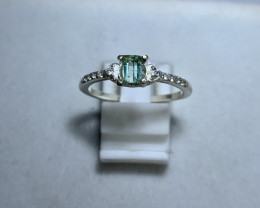 Natural 10.00 Carats  mint green tourmaline with Cz 925 Silver Ring
