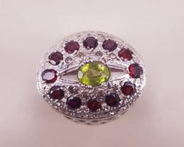 Amazing  Peridote and Rhodolite Gems Stone Ring
