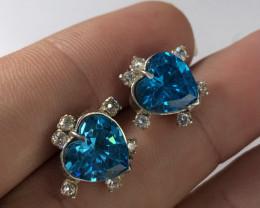 Wow beautiful Heart Shape blue Zirconia Earrings in 925 silvers.