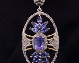 Attractive Natural Tanzanite pendant  Fancy silver 925