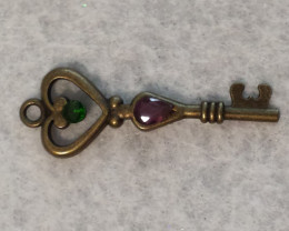 KEY TO MY HEART PENDANT / COMMITMENT /  WEDDING ACCESS.
