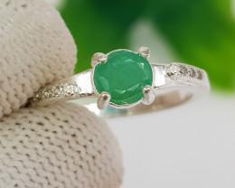 Natural Green Emerald 11.40 Carats 925 Silver Ring