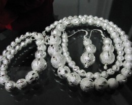 BEAUTIFUL   FROSTED S.S NECKACE/BRACELET/EARRING SET