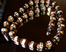 BROWN IRANIAN SANDAL WOOD NECKLACE  153.00 CTS   90490