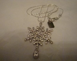 STERLING SILVER (925) SNOWFLAKE PENDANT W SWAROVSKI CRYSTALS