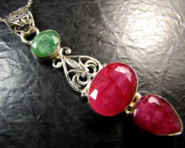 EMERALD  N CLUSTER AFRICAN RUBY 925 SILVER PENDANT RT168
