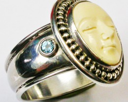 MAMMOTH IVORY RING CARVING WITH TOPAZ RING SIZE 9 [SJ2062]
