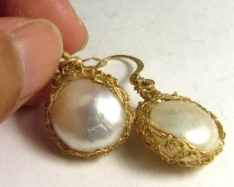 PEARL EARRINGS  GOLD PLATED COPPER WIRE  MGMG 308
