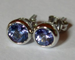 VERY NICE WHITE GOLD AND TANZANITE EARRINGS.