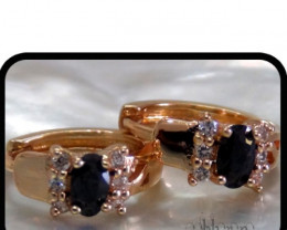 Huggie Earrings with Onyx and white Topaz 18K N/R
