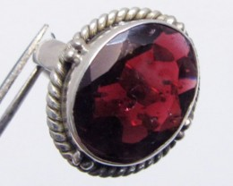 OVAL GARNET  RING SIZE  7.5   MJA 336