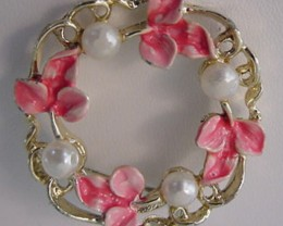 VINTAGE BROOCH / PIN BY MARK GERRY MADE 1950 PEARL & FLORAL