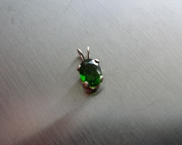 GREEN CHROME DIOPSIDE GEM SET IN STERLING SILVER PENDANT