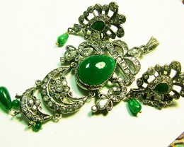 VINTAGE DESIGN EMERALD ZIRCON PENDANT AND EARRINGS  SG-284