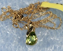 14k Y/Gold Necklace with Peridot  Pendant  GN08
