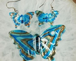 LOVELY LAMPWORK BUTTERFLY EARRINGS AND PENDANT BEAD SET
