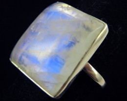 LARGE MOONSTONE SILVER RING T BU 680