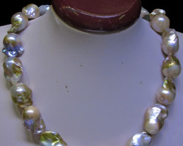 Golden Fresh water Pearl necklace Bu 975